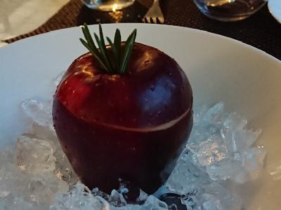 蔚食琦聞: 平民價嘆三星意菜 - 蘋果甘筍Rosemary凍湯