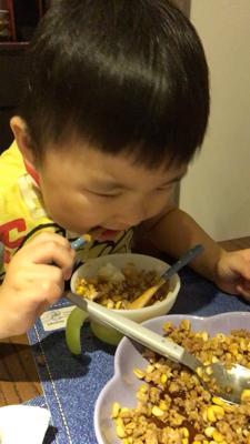 小孩子最愛吃的就是簡單的食物