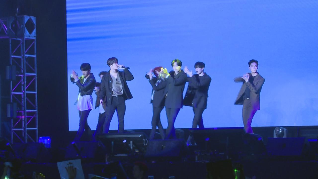 GOT7旋風式襲港獲各地粉絲支持 見面會上勁歌熱舞冧歌迷