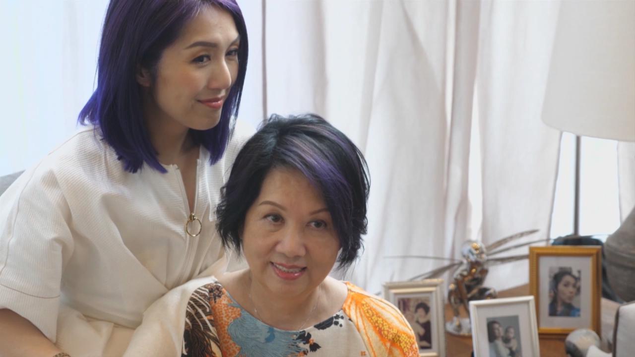 (國語)首次母女檔上陣拍廣告 楊千嬅大讚媽媽表現佳