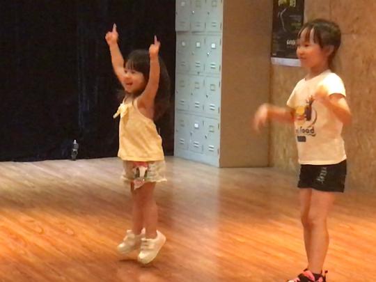 瑤瑤豬練舞??