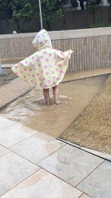 每逢落雨,就係合法玩水既日子