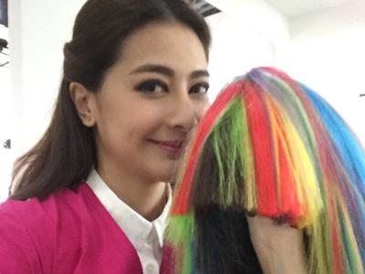 劉芷希Kimmy玩假髮的直播