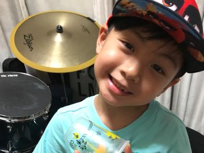 6歲小廚神 Cameron 之 Cup Song