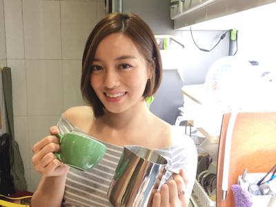 李清心 Katarina 忙裡偷閒 咖啡拉花? ☕️