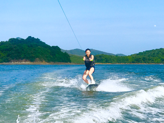 Time to wake up for the Wakeboard ? 希望下次可以free style啦 ?