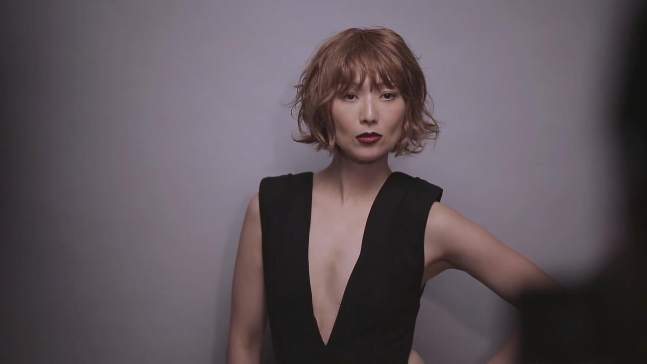 (國語)為國際品牌拍攝廣告 鄭秀文陳法拉滿意唇形