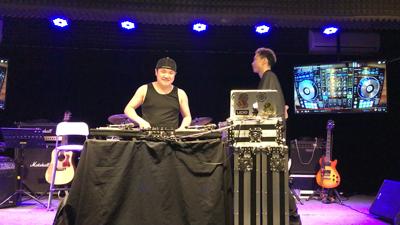 今晚9:00 波波Krysella學捽碟的事前練演。DJ 麥仔 in The House!