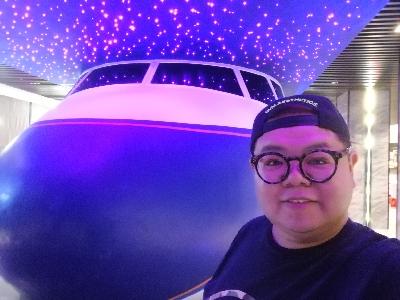 大家好,第一次上载短片到bigbigchannel? 呢間就係傅説中的飛机餐厅?