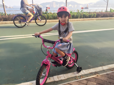 芷晴單車遊海濱公園