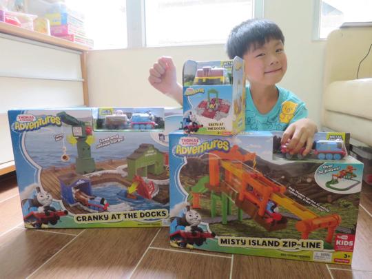 小小豬玩樂篇 - 努力自己砌Thomas
