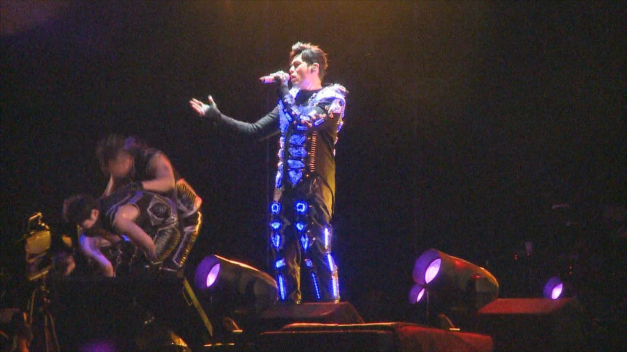 周杰倫北京舉行演唱會 以科幻造型登場落力獻唱