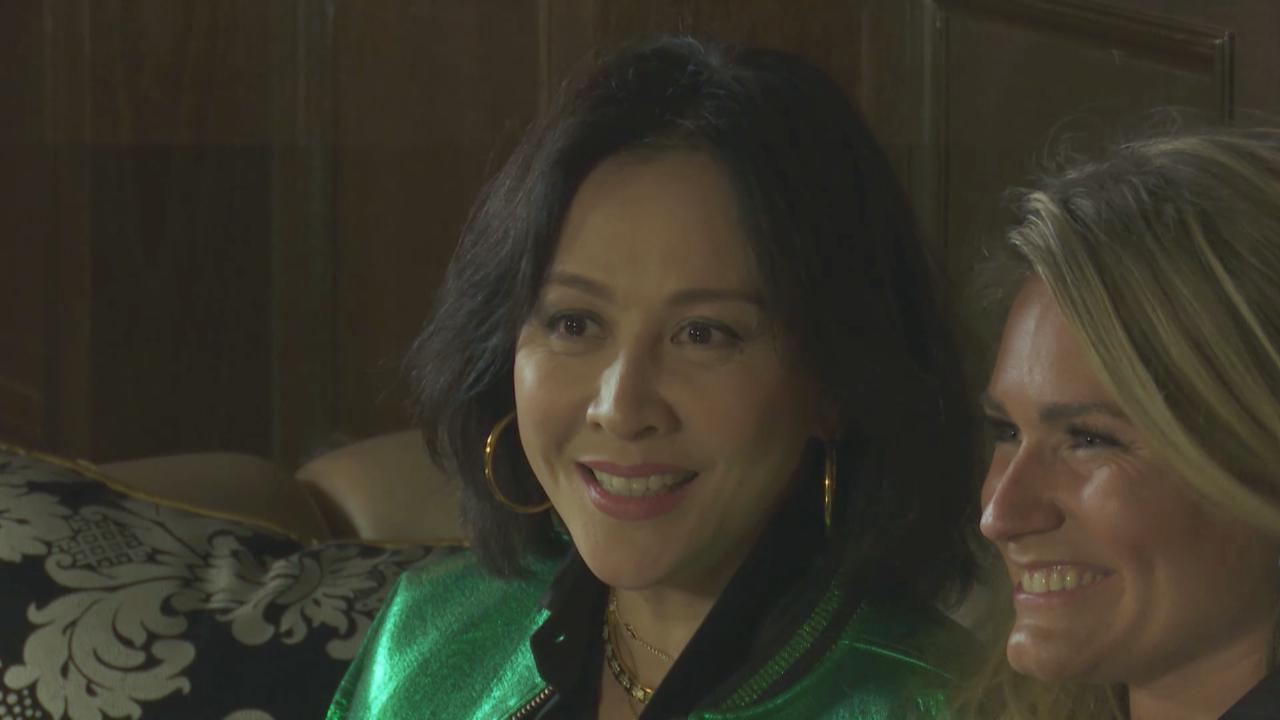 劉嘉玲赴滬出席活動 與超模KateMoss相談甚歡
