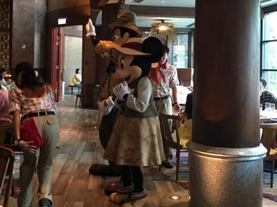 Buffet lunch in Disneyland 2017-09-10 李旻芳的直播