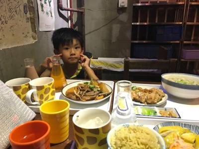 小小豬直播篇 - 小時光食晚餐