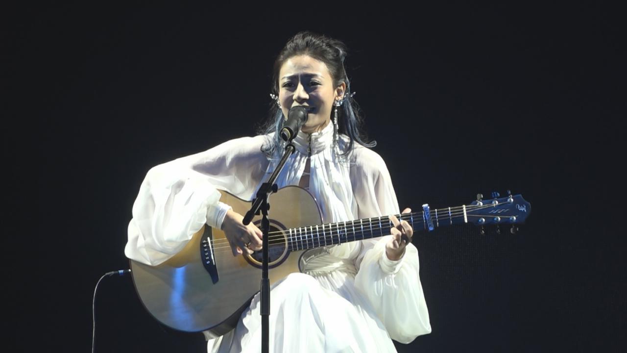 (國語)江若琳個唱開鑼 與男友Oscar深情共舞