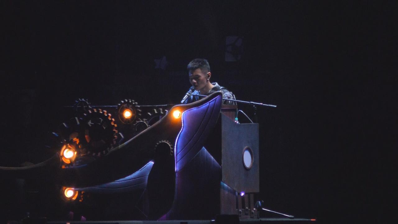 首登台北小巨蛋開個唱 李榮浩自彈自唱炒熱氣氛