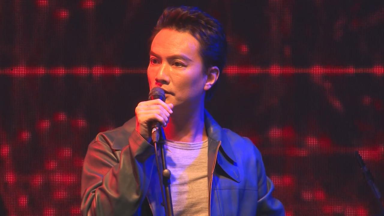 (國語)李泉賣力獻唱連串歌曲 感激樂迷冒雨支持