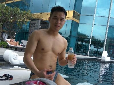 曼谷泳池邊猜枚! 2017-10-24 李漫芬的影片