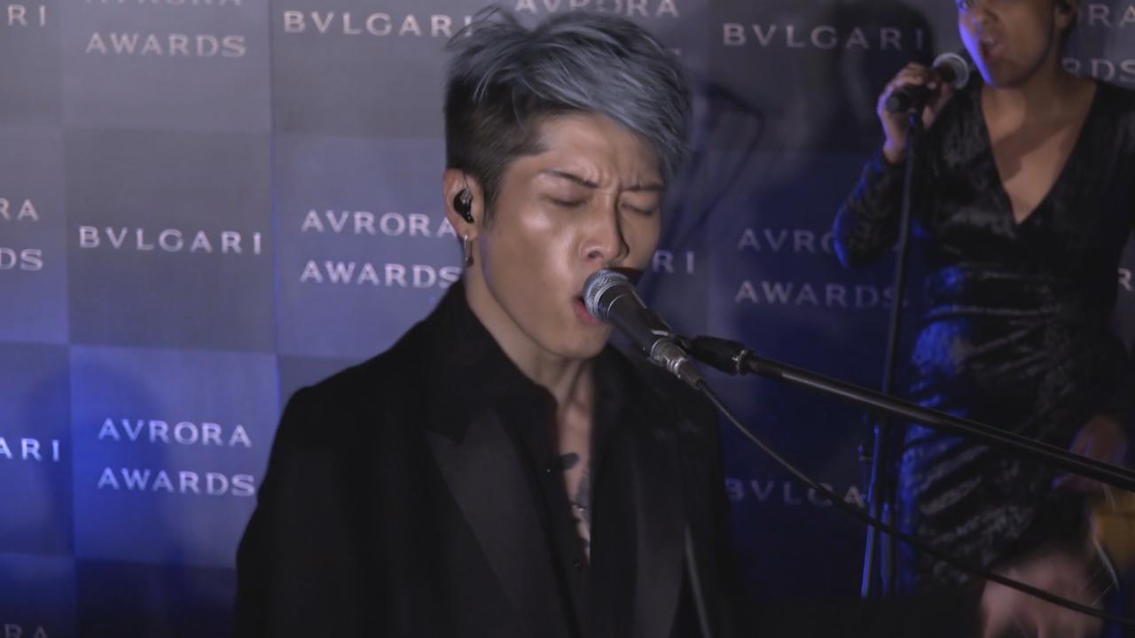 (國語)阿部寬等出席頒獎禮 MIYAVI以嘉賓身份上台獻唱