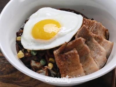 [食左飯未呀 Cookat] 五花腩炸醬麵