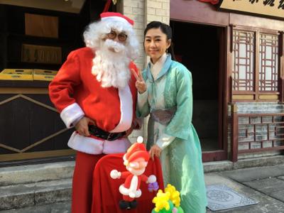 2017-12-24 胡定欣拆聖誕禮物