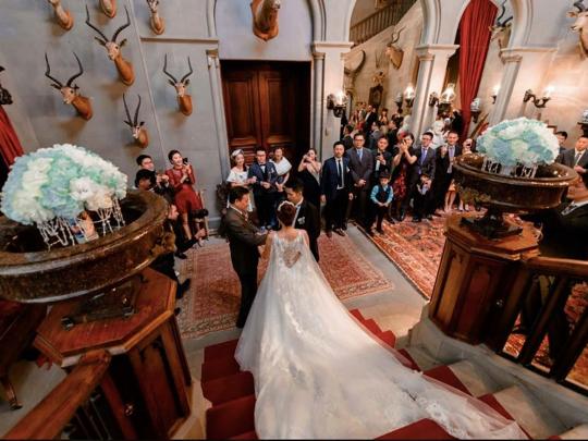 第一條片放咩好?!人生最感動的時刻,英國古堡出嫁篇