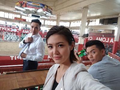 陳庭欣 - 鬥雞場 開live @菲律賓