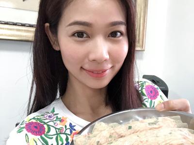 2018-02-13 陪媽媽做肉卷