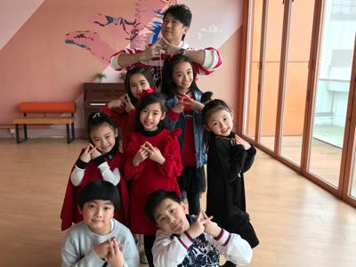 童聲組合Idol Jr.情人節跳舞冧爆你