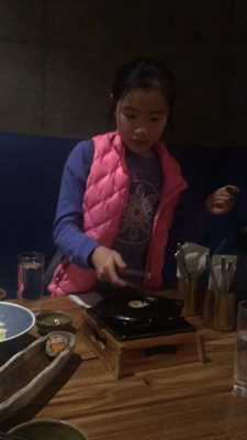Goldgi敏鴻燒壽司的影片,你試過未?