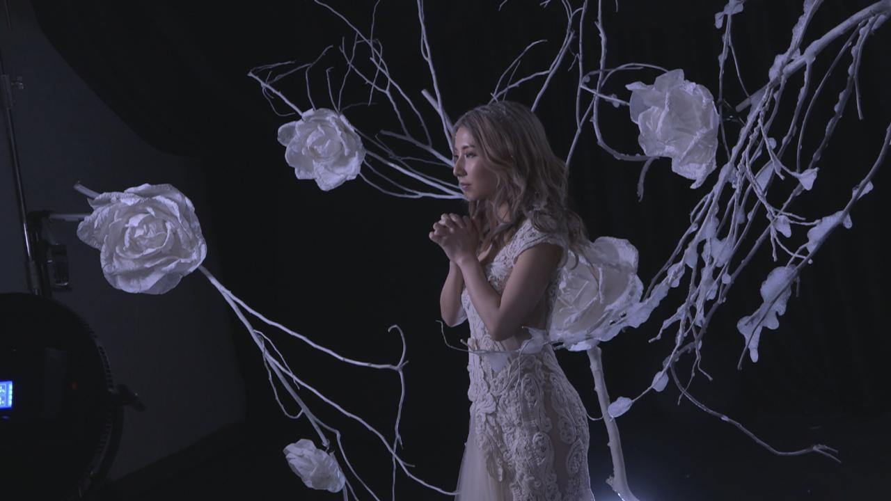 (國語)譚嘉儀拍攝新MV 介紹歌曲背後故事
