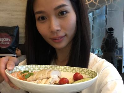 秀惠來到Singapore 當然是吃吃吃
