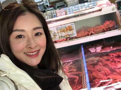 張名雅在北海道魚市場