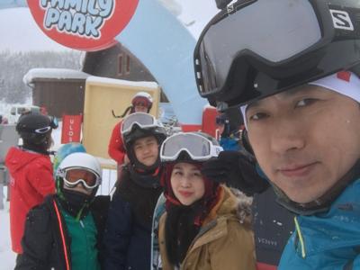 子博:一把年紀學人玩snowboard @芬蘭