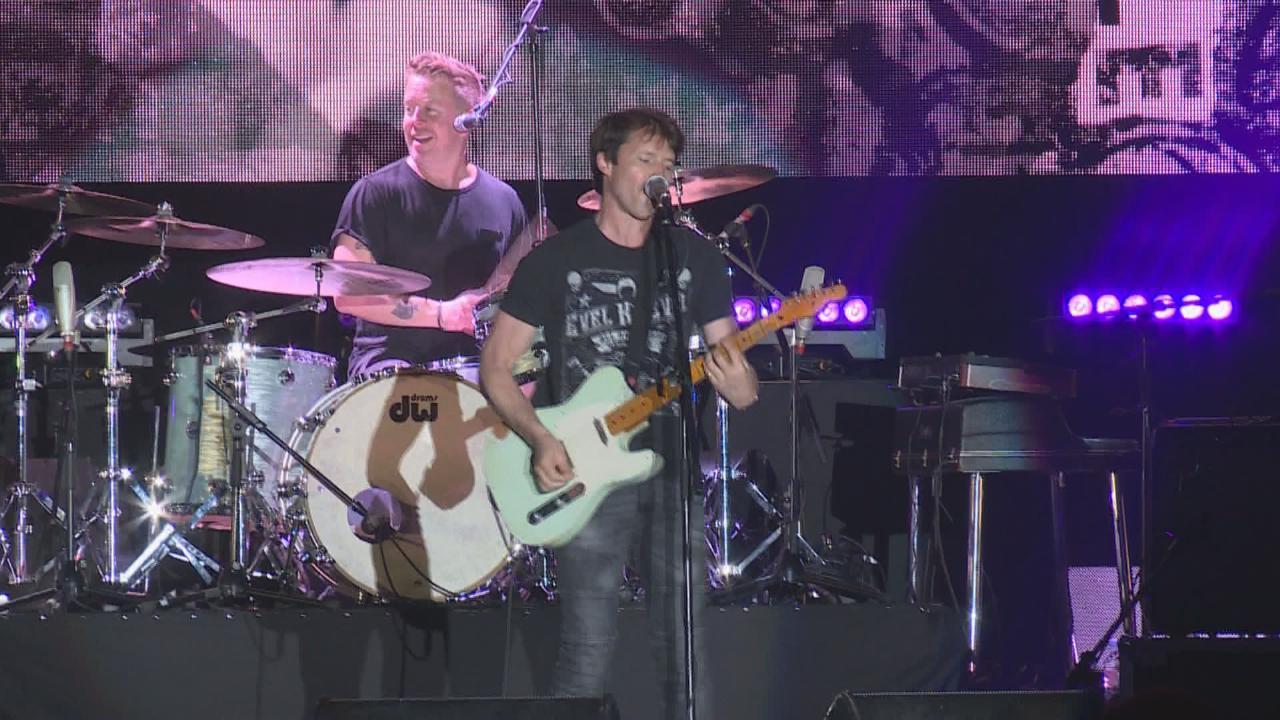 (國語)James Blunt四年後再到港開唱 台上大展音樂才華