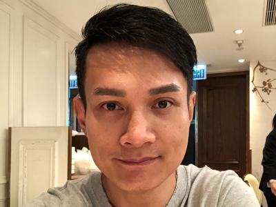 何俊軒 返香港同朋友飲茶 part 2