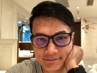 何俊軒 返香港同朋友飲茶 part 3