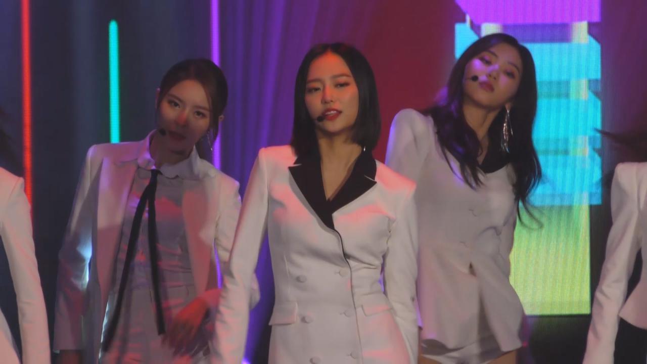 (國語)CLC三周年紀念演唱會 演唱經典歌曲炒熱氣氛