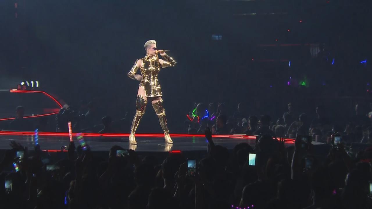 KatyPerry世界巡迴個唱台北站 以黃金聖鬥士裝霸氣登場