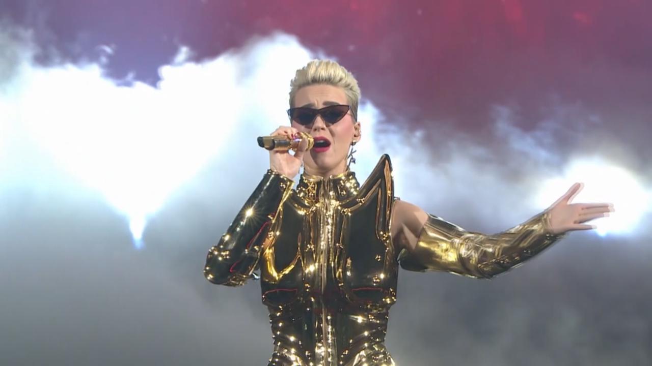 (國語)KatyPerry世界巡迴個唱台北站 以黃金聖鬥士裝霸氣登場