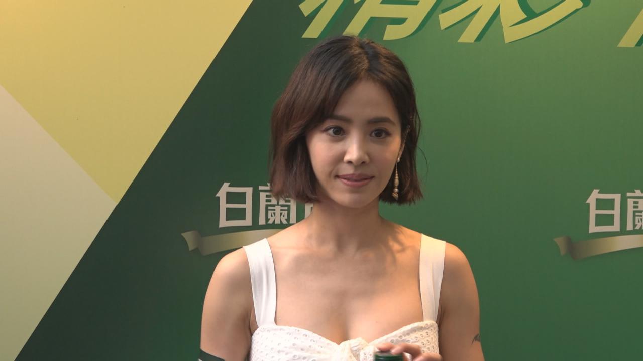 蔡依林性感現身香港 表示今年誓要出新碟