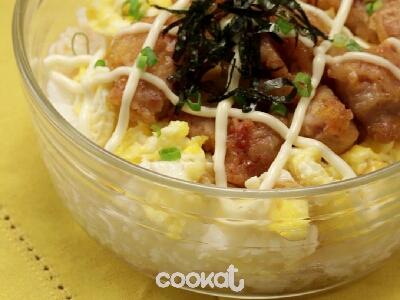 [食左飯未呀 Cookat] 炸雞蛋黃醬蓋飯