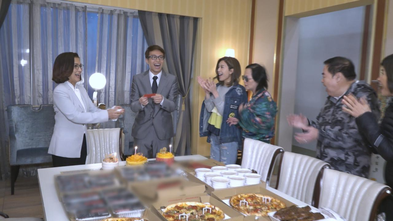 吳業坤忙拍反轉貴利王 獲劇中拍檔設大食會慶生