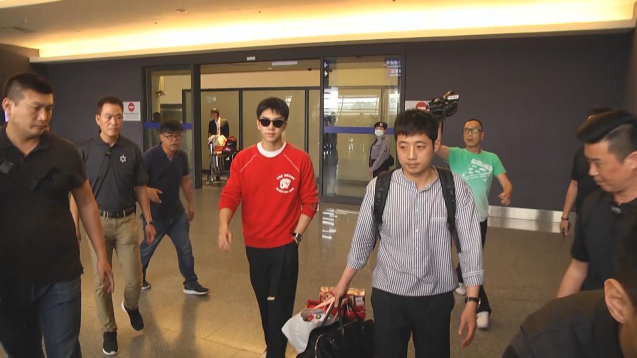 李昇基抵台為見面會做準備 表現親民粉絲瘋狂尖叫