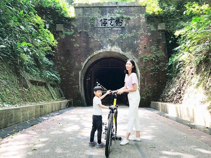 親子單車小旅行遊草嶺古道
