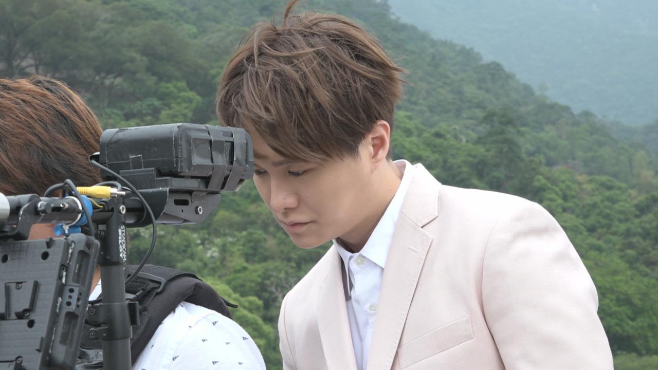 為棟仁的時光主題曲拍MV 胡鴻鈞稱與劇中角色相似