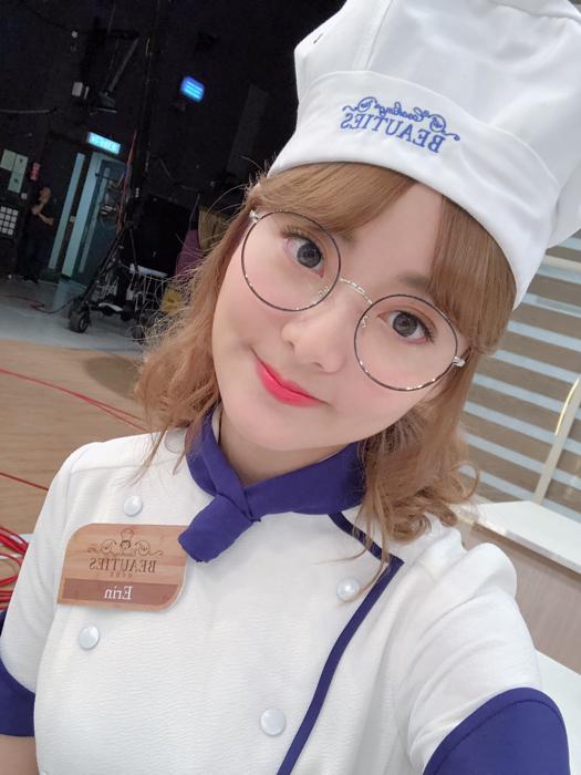 美女廚房第一天錄影 送你們一送歌~