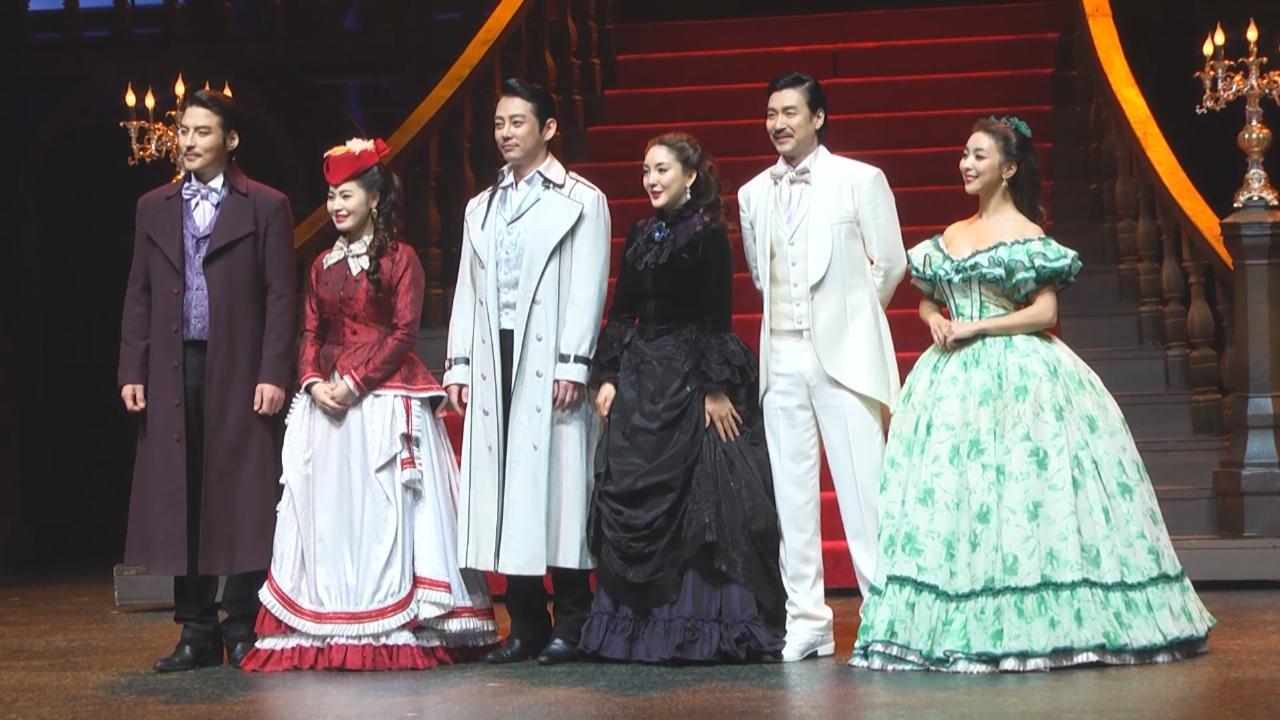 Luna再度參演音樂劇 與Tei呈現劇中合唱一幕