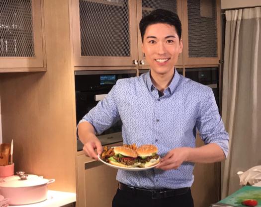 郭家廚房之素黑豆漢堡及甜薯薯條 ?? Black Bean Burger & Sweet Potato Fries